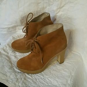 Michael Kors Carmel Suede Lace Up Booth Size 7.5